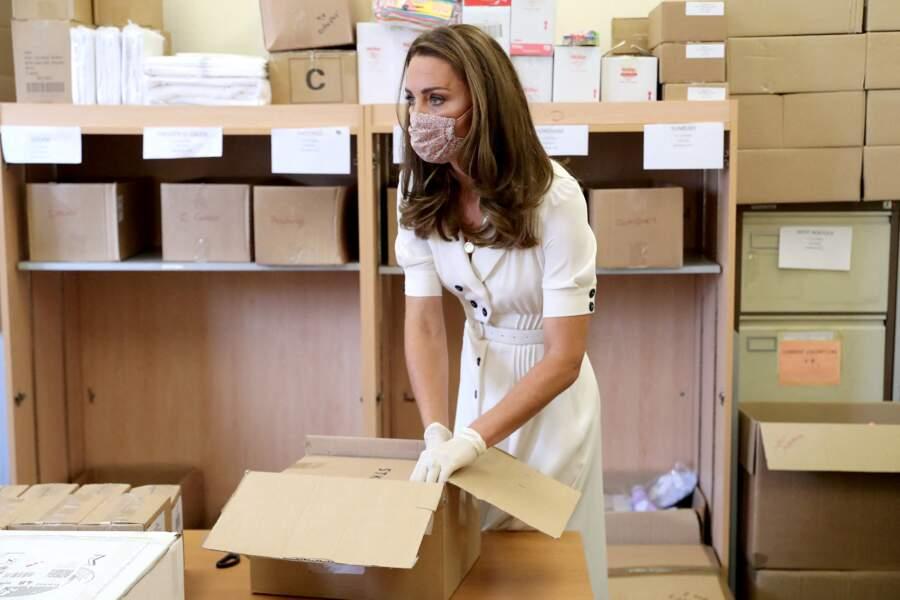 Kate Middleton a appelé les entreprises britanniques à donner des produits pour bébés pendant l'épidémie de coronavirus