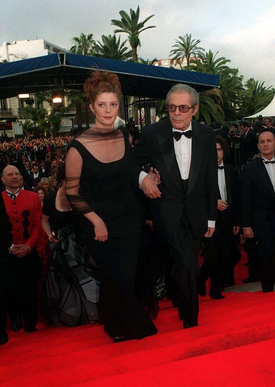 Chiara et Marcello Mastroianni montent ensemble les marches de Cannes, en 1996, pour le film