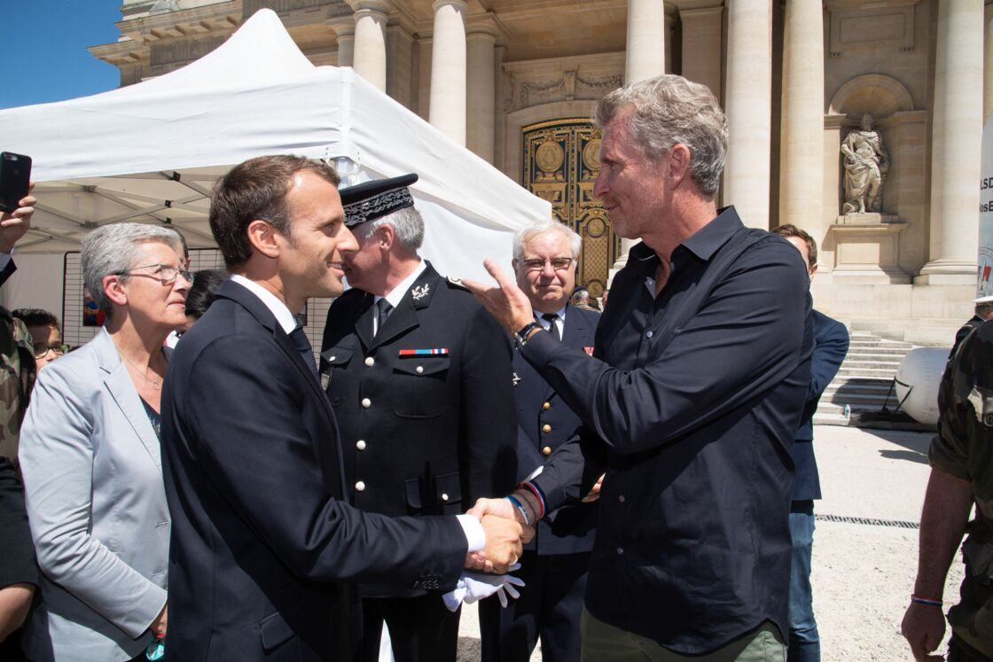 Emmanuel Macron et Denis Brogniart à l'Hôtel national des Invalides le 23 juin 2018