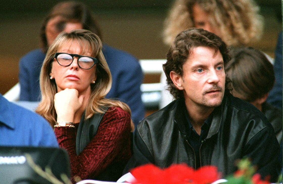 Francis Cabrel et Mariette à un match de foot, en 1994