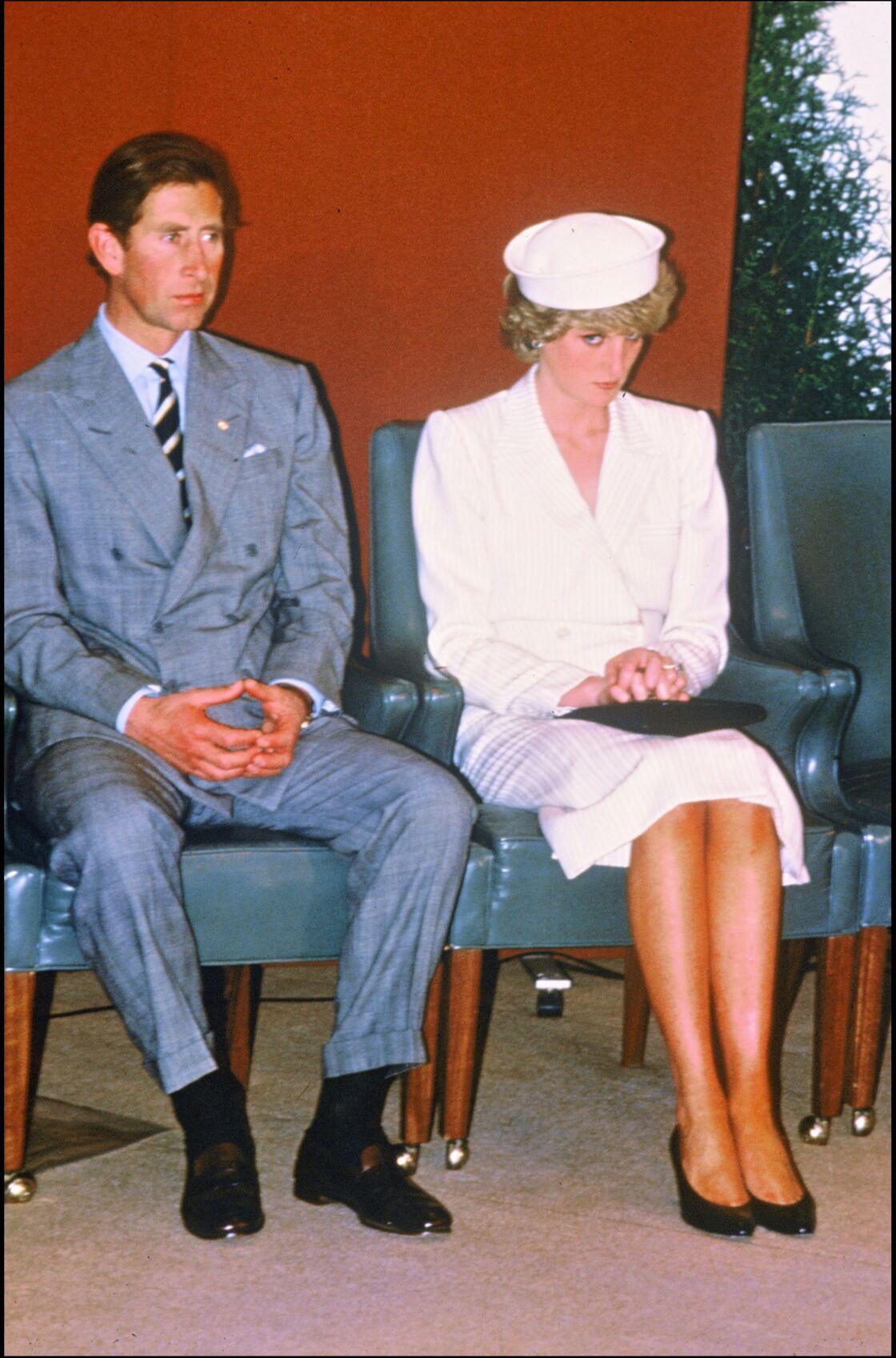 Isolée et malheureuse à Buckingham, Diana joue en 1985 les entremetteuses entre Andrew et son amie, Sarah Ferguson