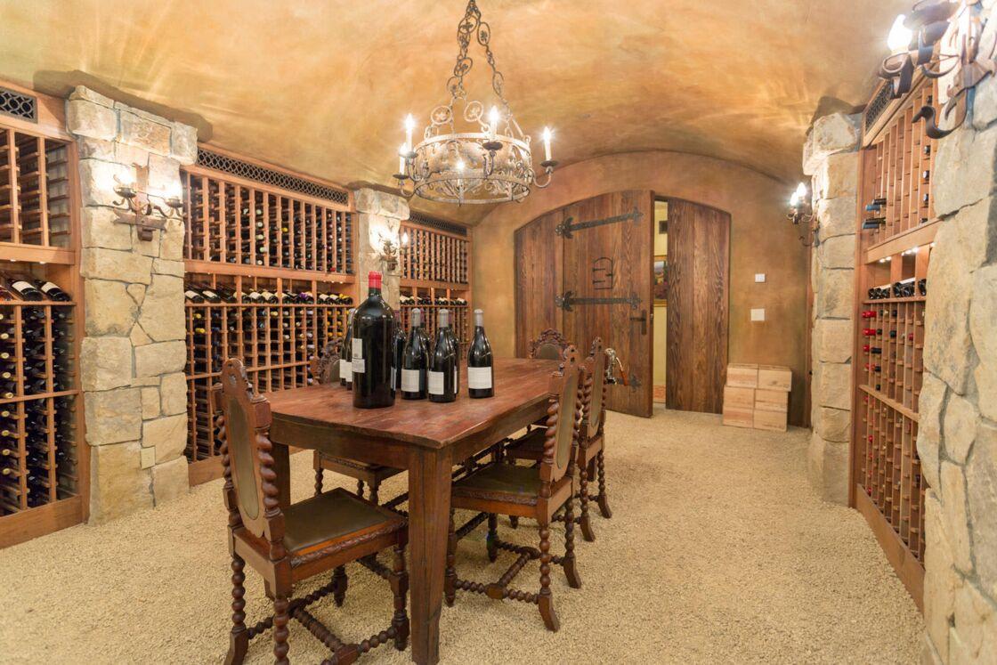 La cave à vin de la nouvelle villa de Harry et Meghan Markle