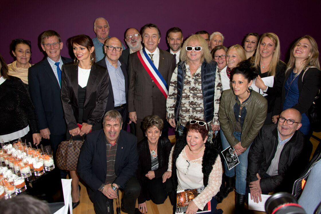 Michel Polnareff à Fontenay-Trésigny, avec le maire et le conseil municipal, le 25 novembre 2016