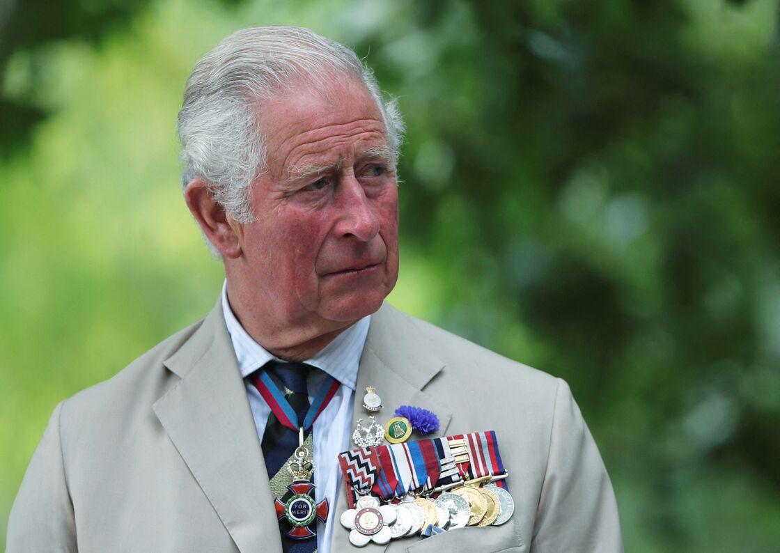 Grâce au duché de son père, le prince Charles et duc de Cornouailles, le prince Harry reçoit une importante somme d'argent