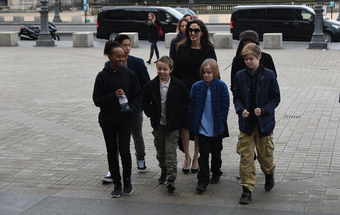 Angelina Jolie vit son confinement en compagnie de ses six enfants, âgés de 19 à 12 ans : Maddox, Pax Thien, Zahara, Shiloh, Knox et Vivienne