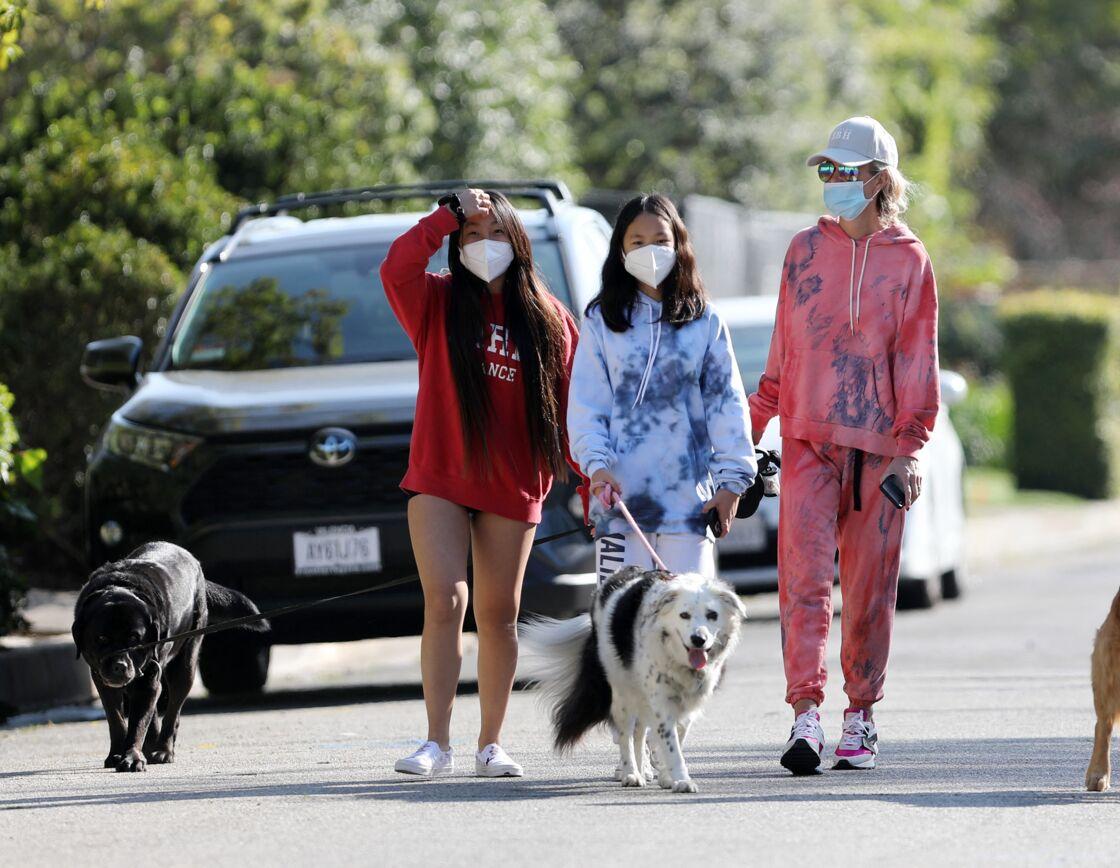 Laeticia, Jade et Joy Hallyday ont passé leur confinement à Los Angeles avant de rejoindre Paris puis Saint-Barth pour leurs vacances d'été