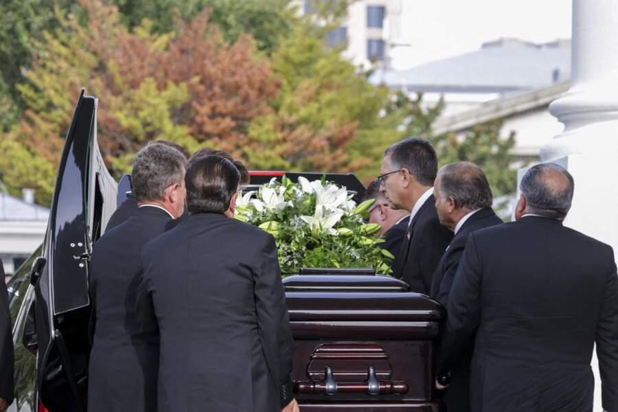 Le cercueil du frère de Donald Trump, Robert, mort à l'âge de 72 ans