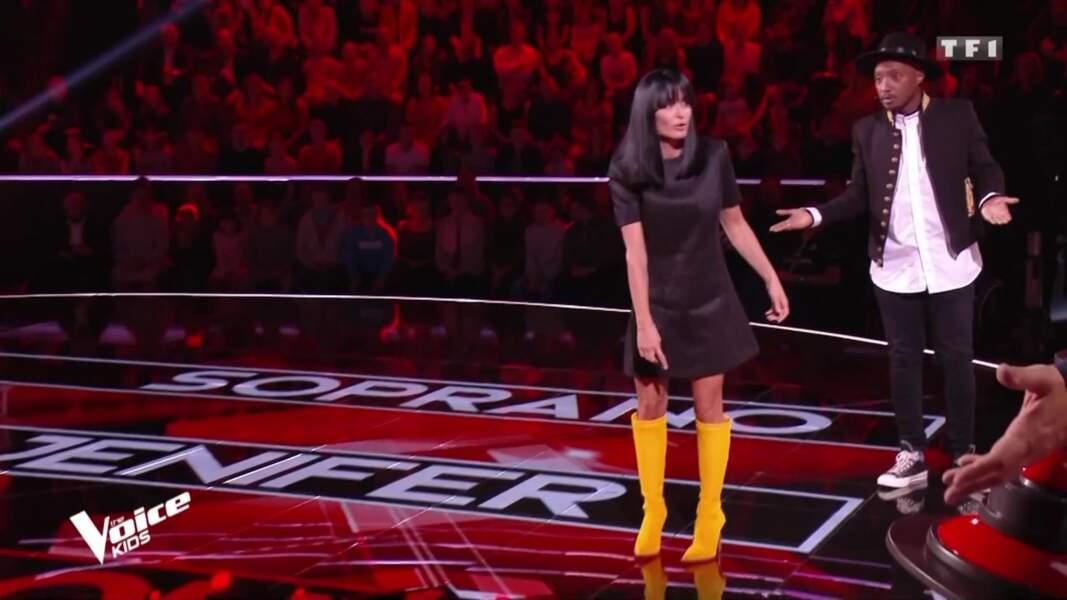 Jenifer a opté pour une tenue d'inspiration 70s dans The Voice Kids ce samedi 22 août