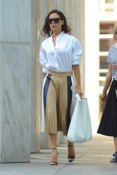 La jupe plissée selon Victoria Beckham