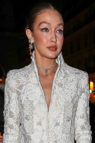 Gigi Hadid à la soirée Harper's Bazaar au Musée Des Arts Décoratifs à Paris.