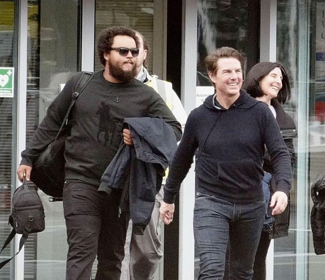 Tout comme sa soeur, Isabella, Connor est très proche de son père, Tom Cruise