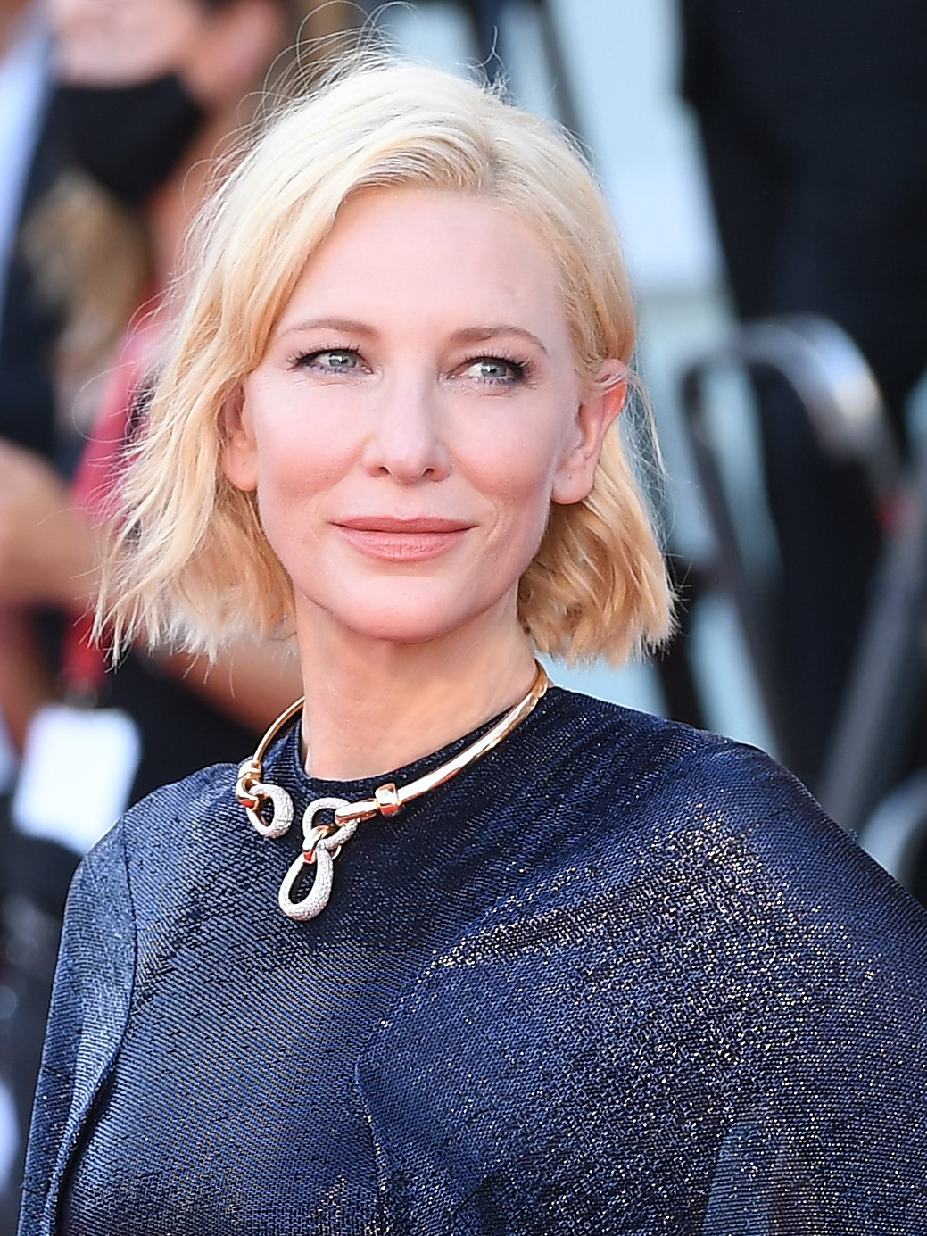 L'indémodable carré redevient wavy, canon sur Cate Blanchett