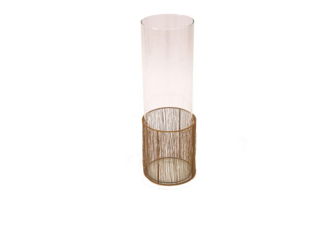 Jenifer mixe les matières pour ce vase customisé de cordage dans sa collection Ligati.