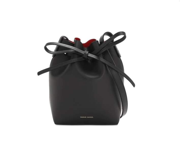 Sac seau en cuir à doublure rouge Mini Mini, 480€, MANSUR GAVRIEL sur www.matchesfashion.com