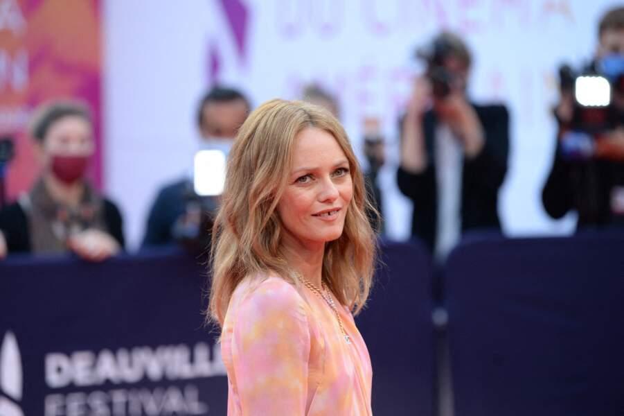 Vanessa Paradis, présidente du jury, sur le red carpet de la cérémonie d'ouverture du 46ème Festival du Cinéma Américain de Deauville, le 4 septembre 2020.