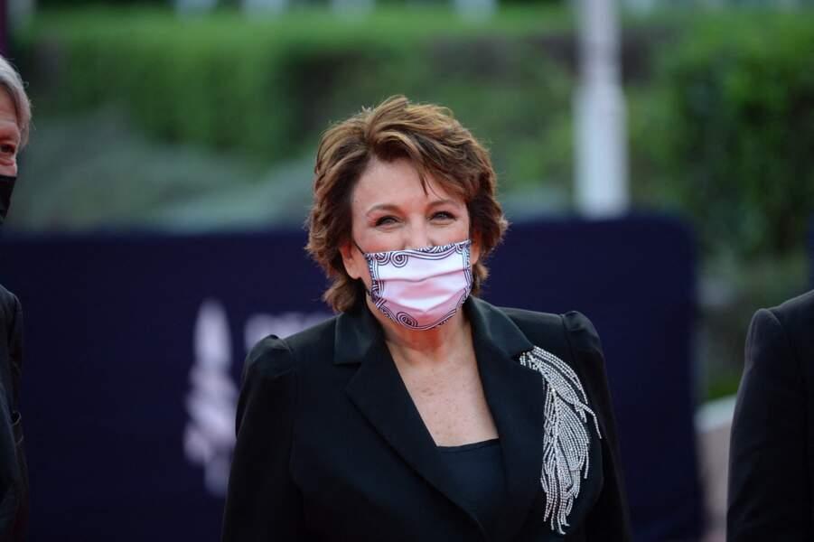 Roselyne Bachelot, masquée, arrive sur le red carpet de la cérémonie d'ouverture du 46ème Festival du Cinéma Américain de Deauville, le 4 septembre 2020.
