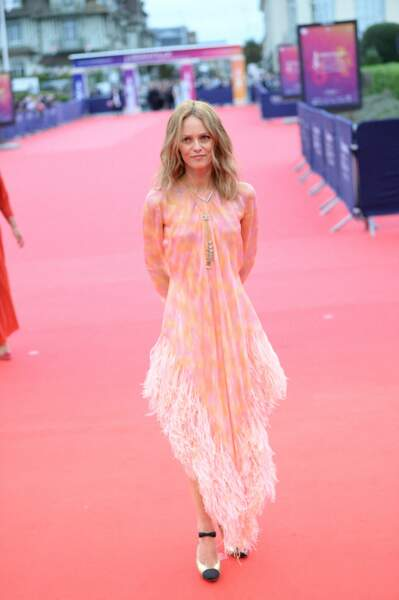 Vanessa Paradis, très élégante, sur le redcarpet de la cérémonie d'ouverture du 46ème Festival du Cinéma Américain de Deauville, le 4 septembre 2020.