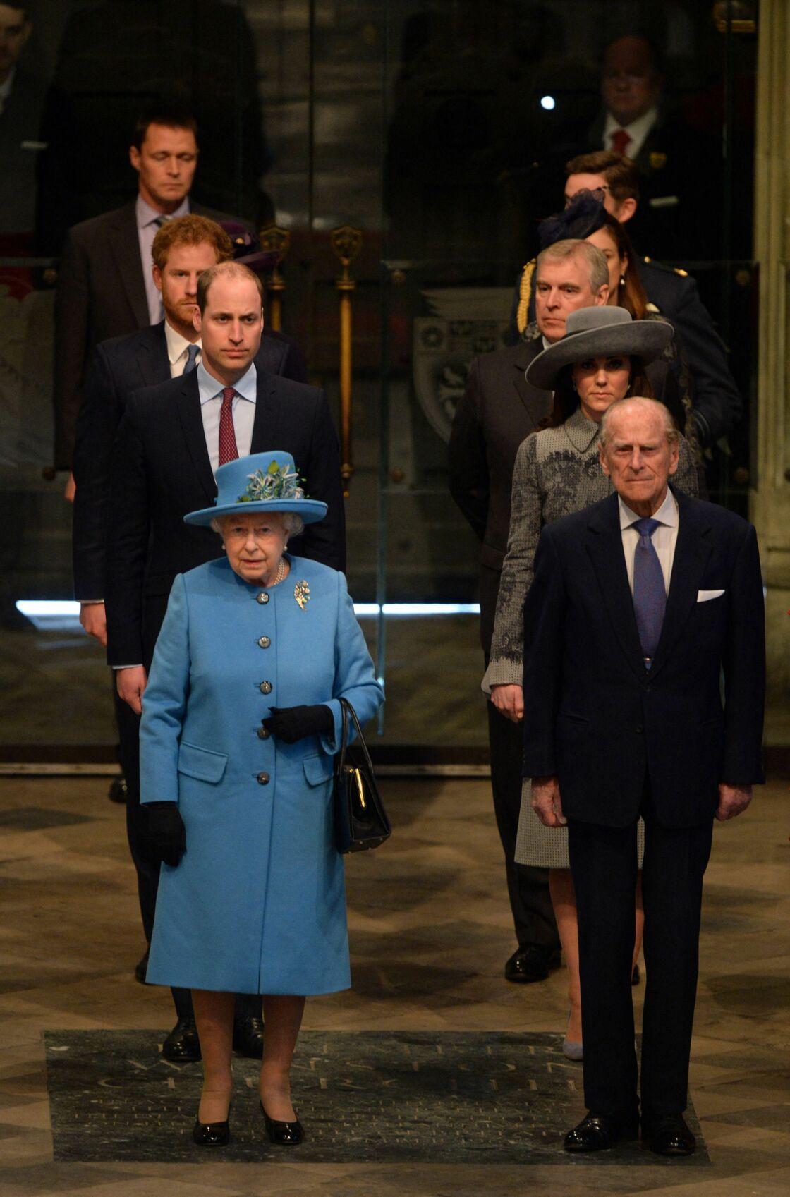 Le prince Philip aux côtés, notamment, d'Andrew et Harry