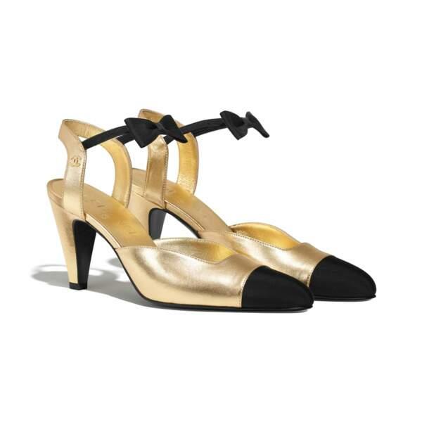 Escarpins dorés & noir portés par Vanessa Paradis sur les images, 850€, Chanel