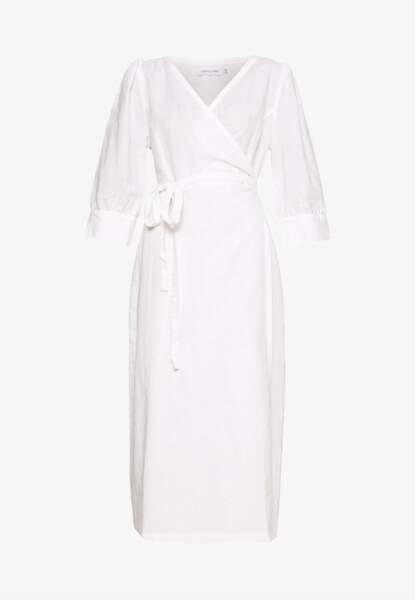 Robe longue, 149€95, Lounge Nine sur Zalando