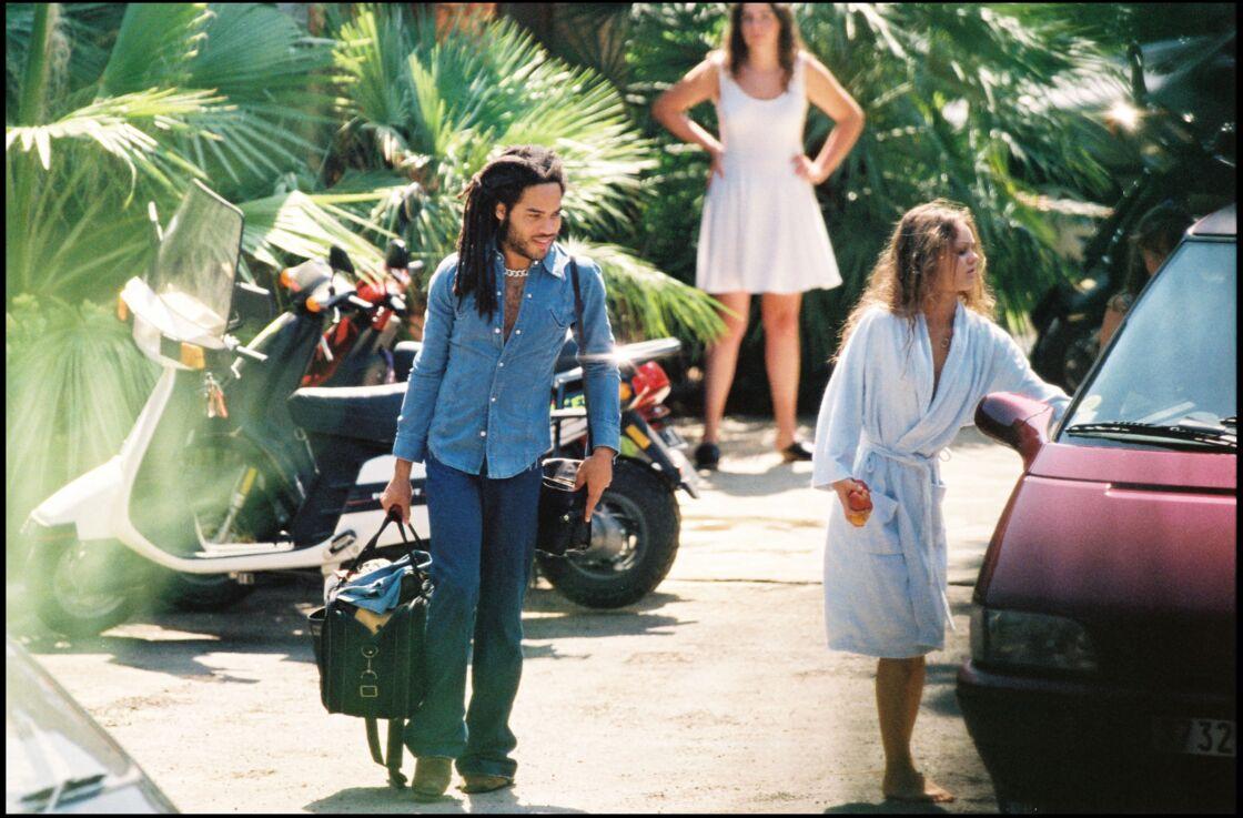 Vanessa Paradis et Lenny Kravitz en vacances, en 1993