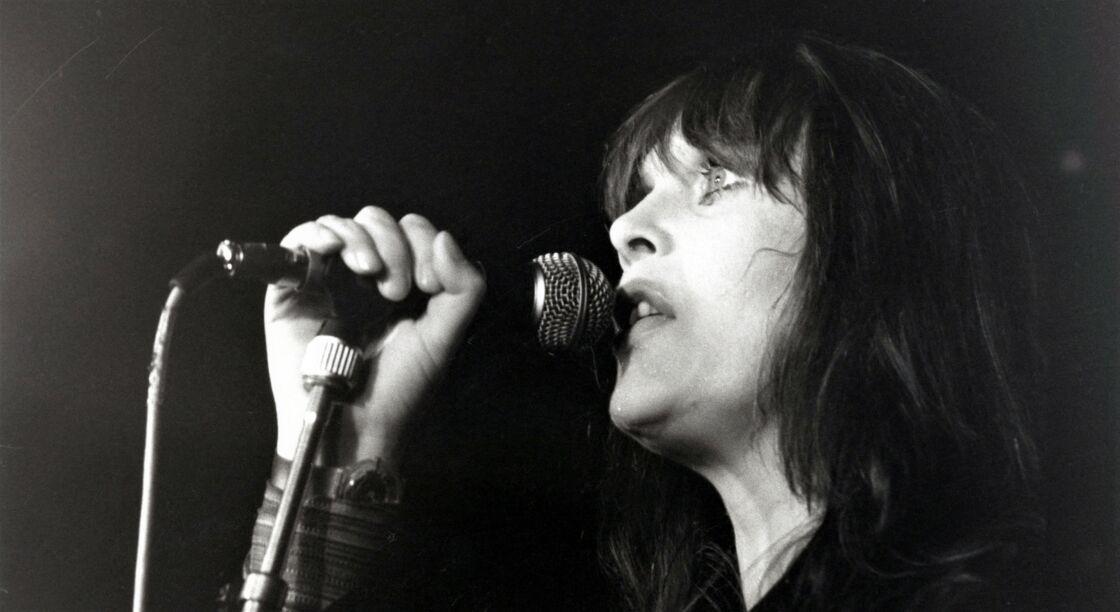 Nico sur scène, au milieu des années 1980.