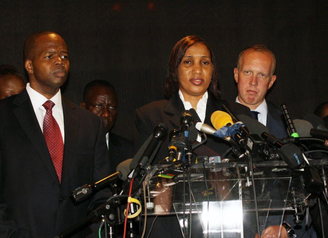 Nafissatou Diallo porte plainte au civil contre Dominique Strauss-Kahn à la Cour suprême du Bronx dans l'Etat de New York, le 8 août 2011