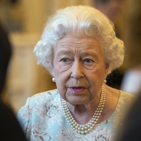 Shocking! 4 gardes de la reine Elizabeth II positifs à la cocaïne