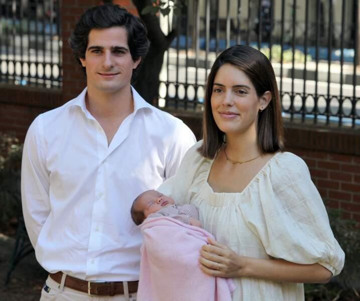 Fernando Fitz-James Stuart et Sofia Palazuelo présentent la petite duchesse d'Albe