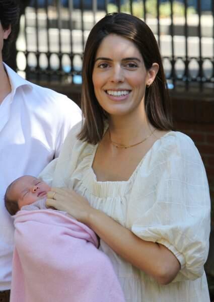 Sofia Palazuelo et sa fille la duchesse d'Albe à la sortie de l'hôpital à Madrid