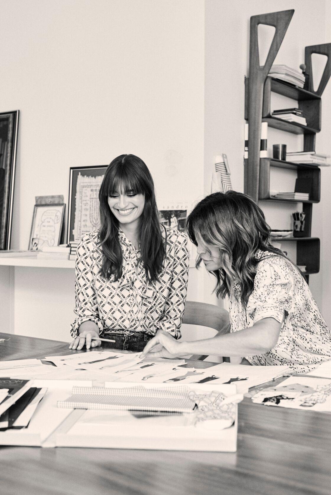 Clara Luciani et Evelyne Chétrit peaufinent ensemble les détails de cette collection capsule.
