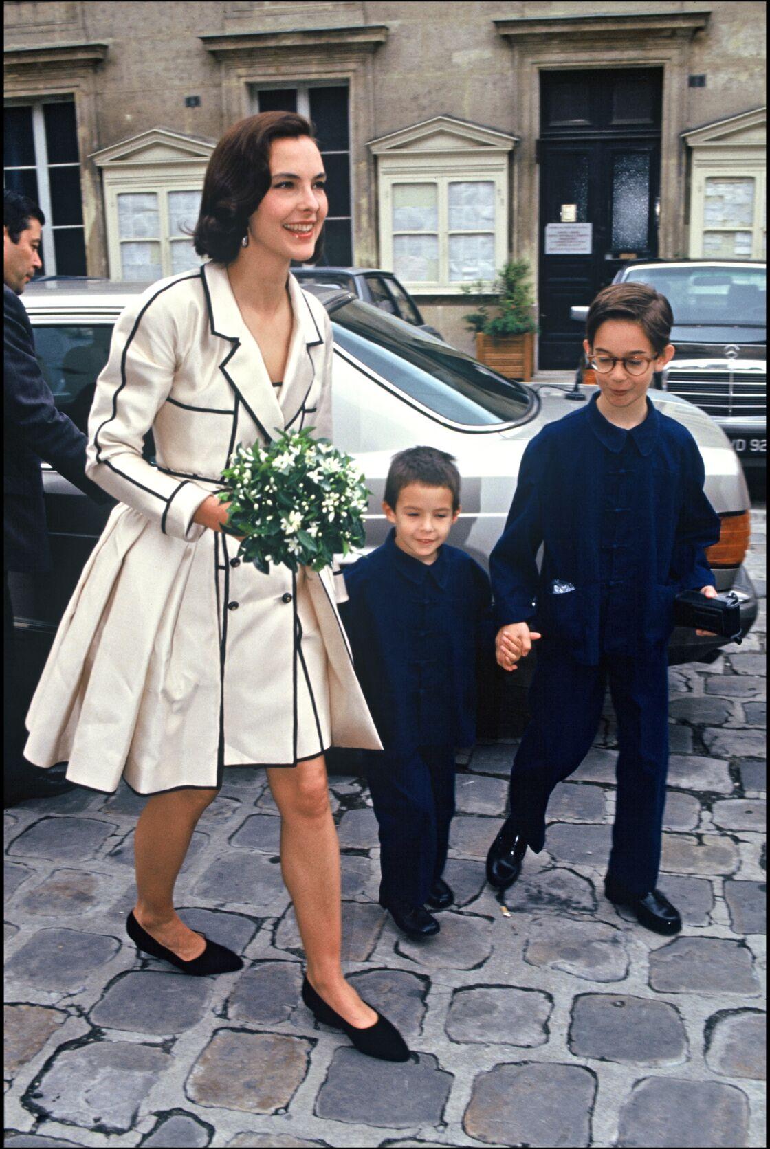 Carole avec ses fils Louis et Dimitri, en 1991.