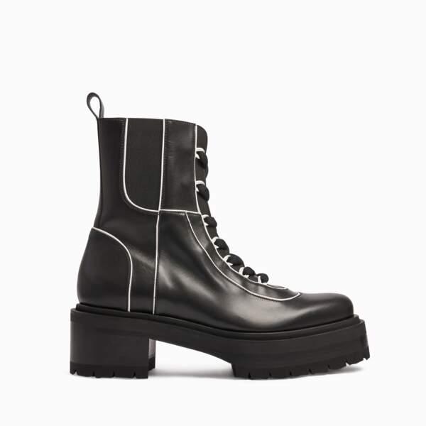 Boots, 895 €, Pierre Hardy.