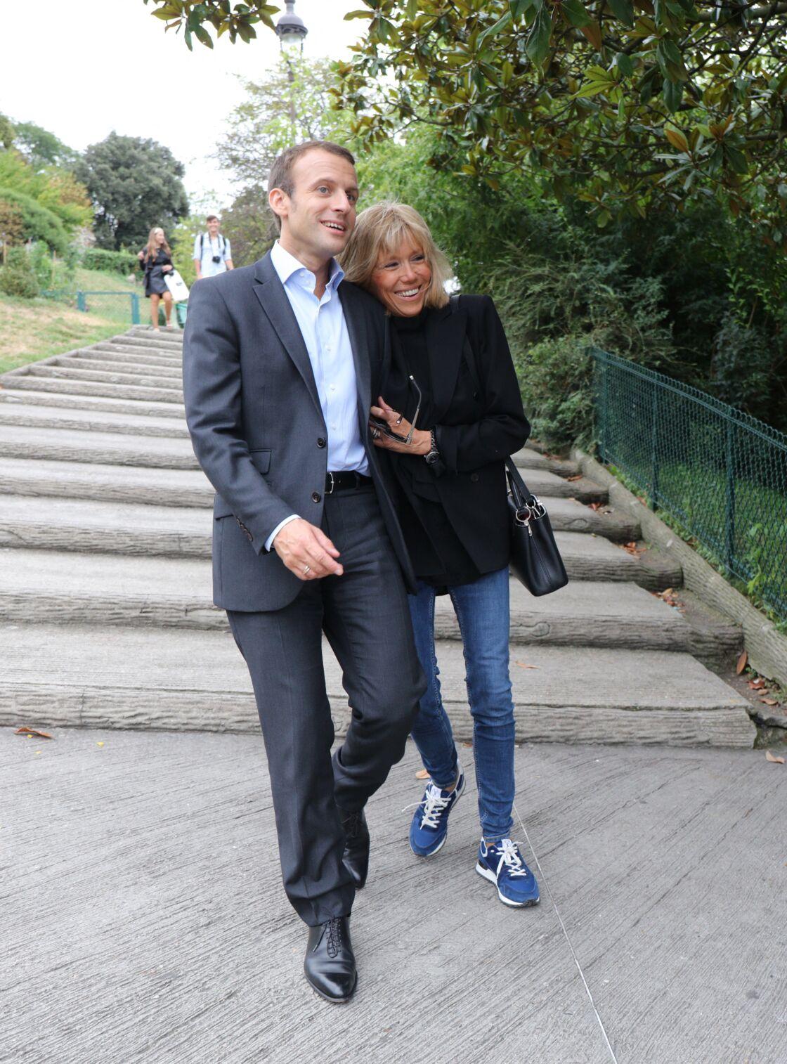 Ensemble depuis 1993, Emmanuel et Brigitte Macron semblent toujours aussi épris l'un de l'autre