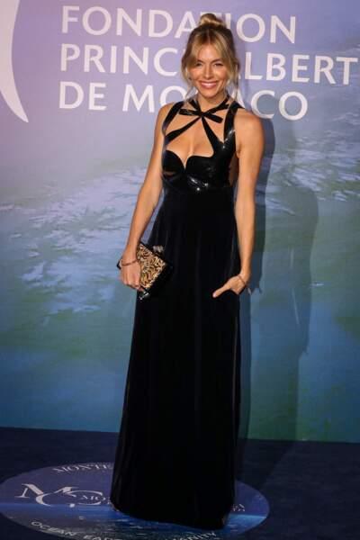Sienna Miller en robe de soirée Gucci Pre-Fall 2020