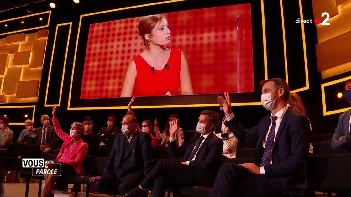 Les ministres lèvent la main pour dire qu'ils ont téléchargé Stop Covid, sur France 2 le 24 septembre 2020