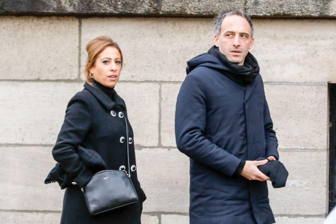 Léa Salamé et son compagnon Raphaël Glucksmann aux obsèques de Sébastien Demorand, à Paris, le 31 janvier 2020.
