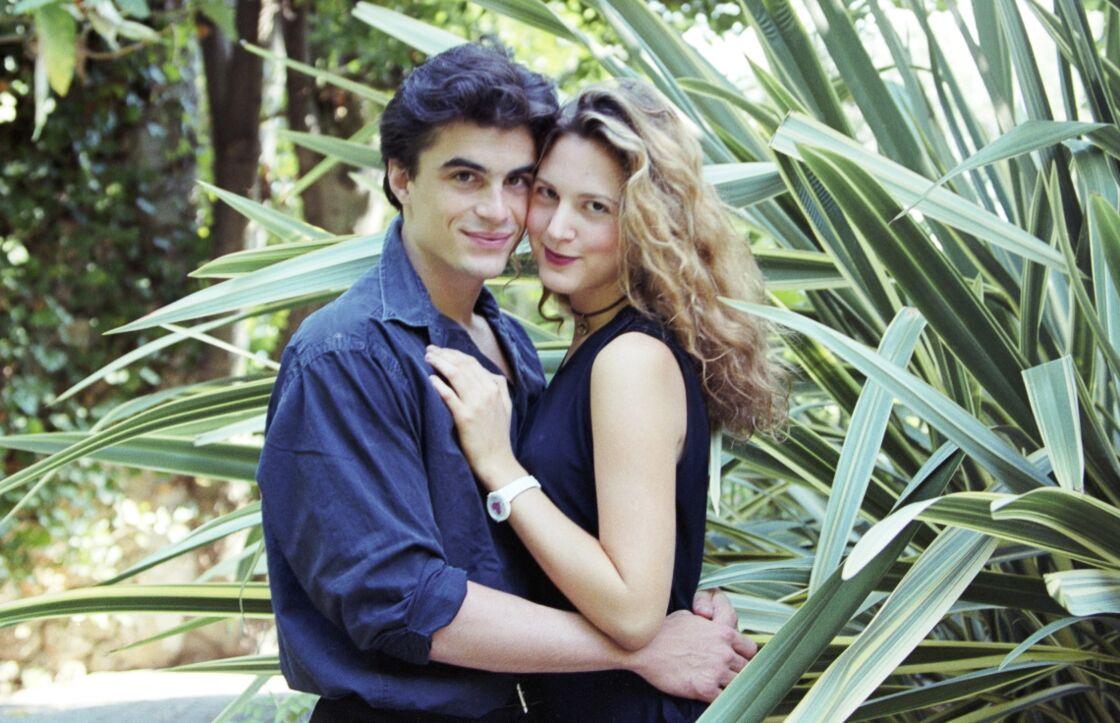 Raphaël Enthoven et Justine Lévy se sont mariés en septembre 1996, et ils ont divorcé en 2000, après que le philosophe ait rencontré Carla Bruni.