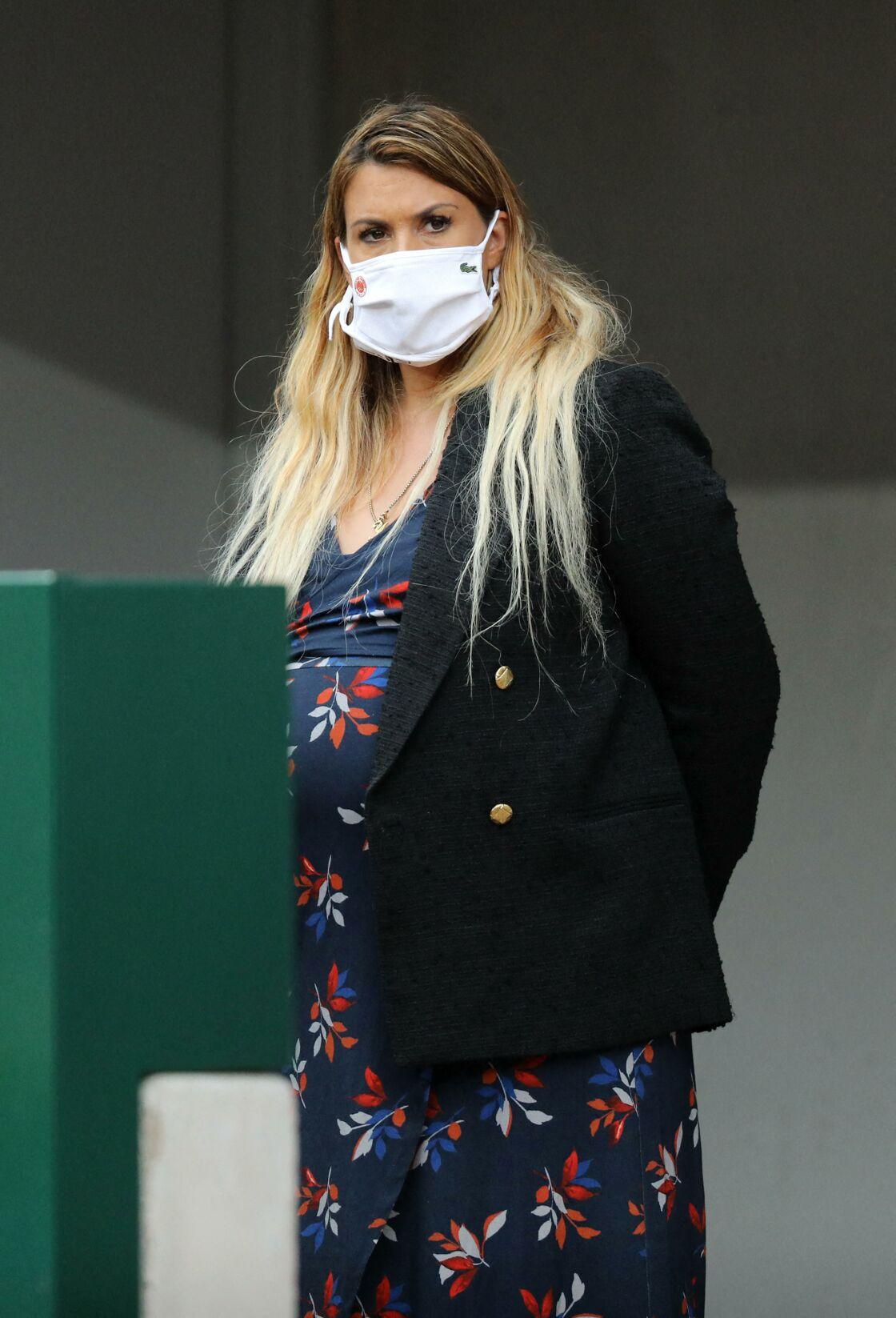 Marion Bartoli, enceinte, lors du premier tour des internationaux de tennis de Roland Garros à Paris le 28 septembre 2020.
