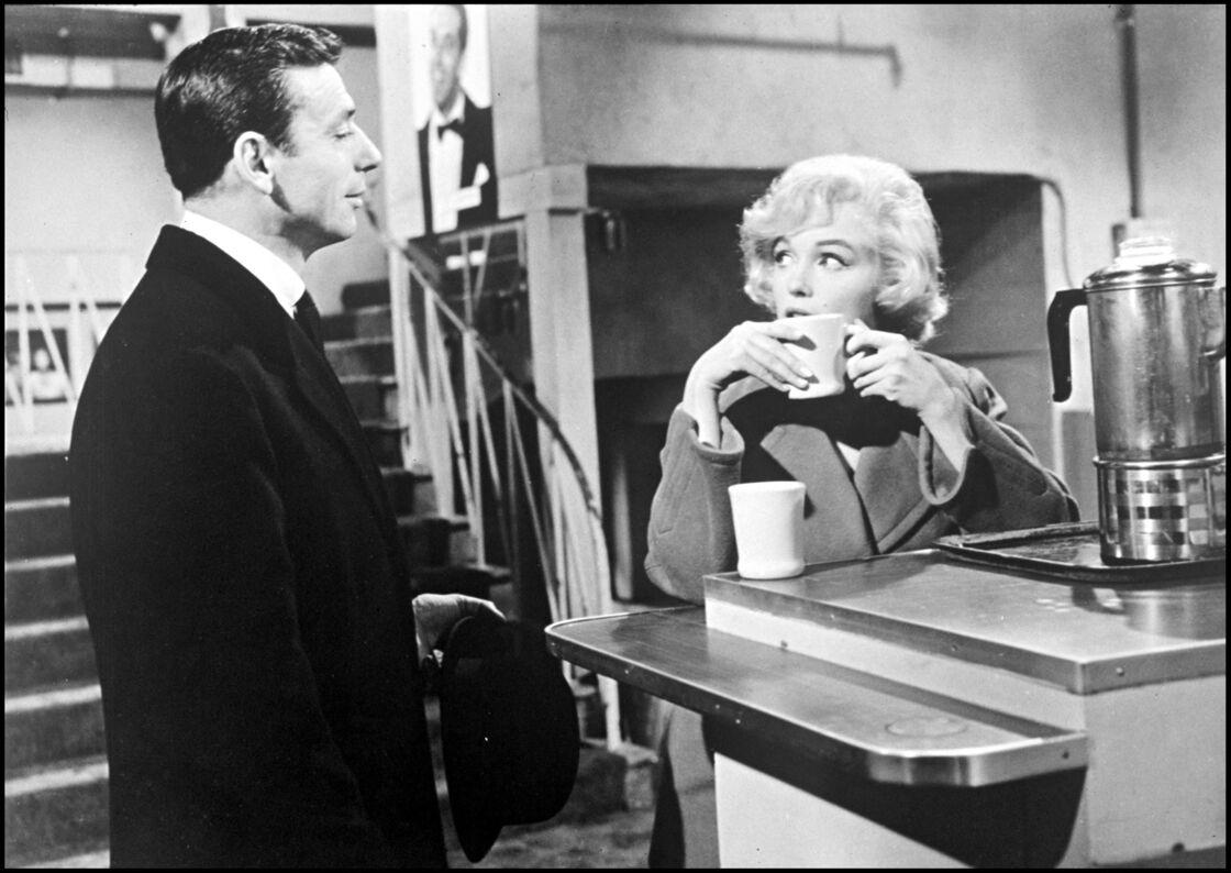 En 1960, marié à Simone Signoret depuis neuf ans, Yves Montand succombe aux charme de Marilyn Monroe sur le tournage du