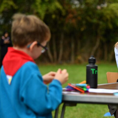 PHOTOS – Kate Middleton en mode scout: sa drôle de sortie avec des enfants