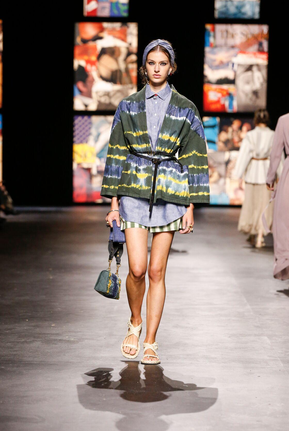 Resurgence de l'imprimé tie and die pour le printemps-été 2021 chez Dior, qui l'a déjà exploité dans de précédentes collections.