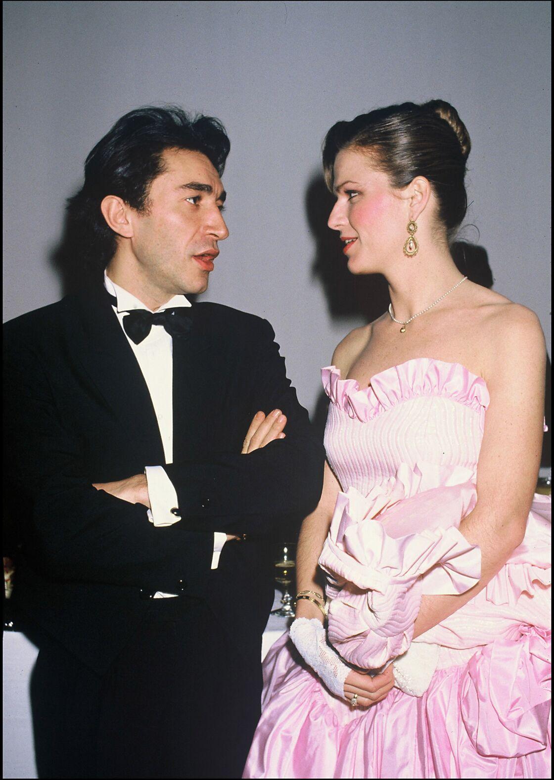 Jeane Manson et Richard Berry en 1984, année de leur mariage. Ils divorceront deux ans plus tard.