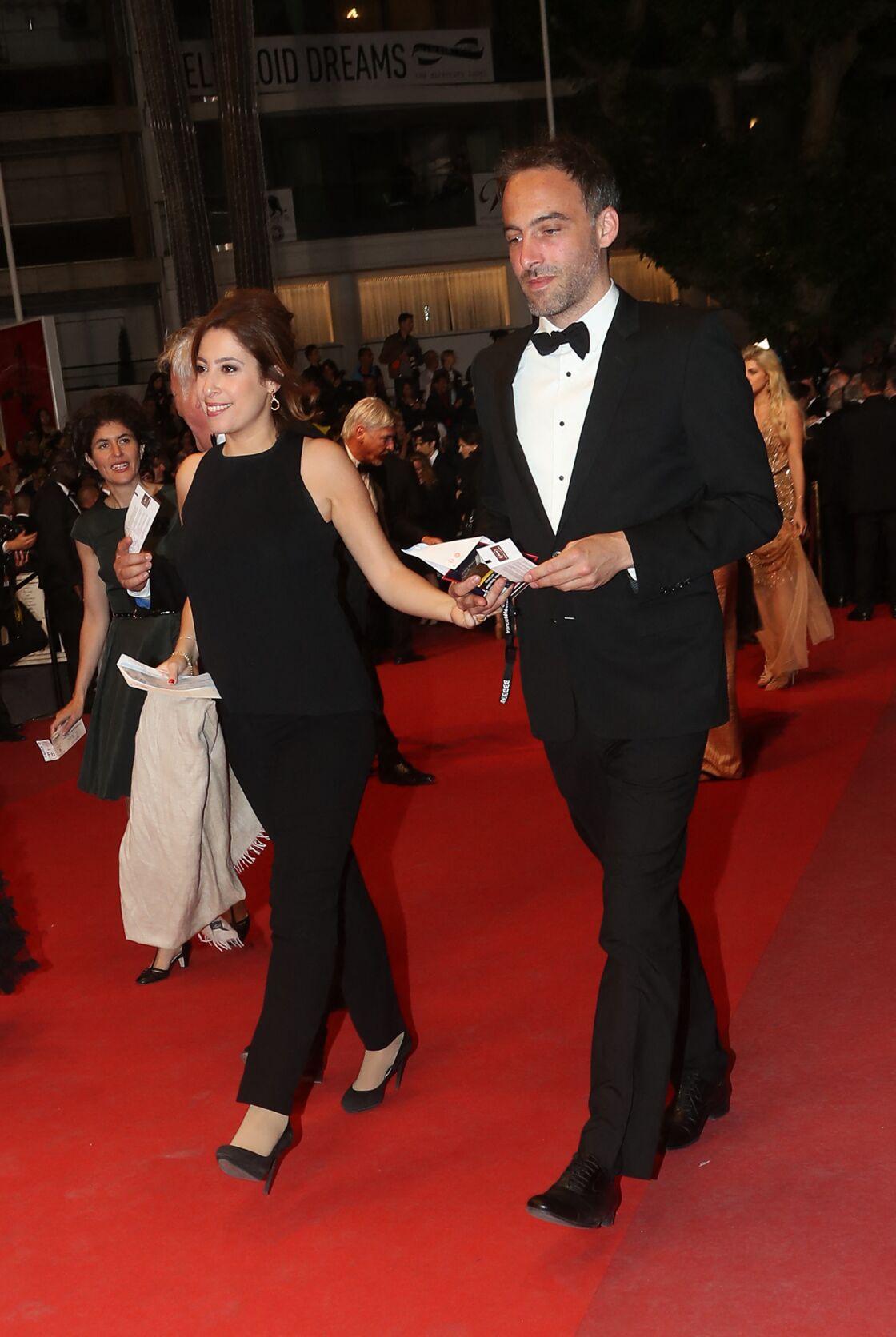 Léa Salamé et Raphaël Glucksmann montant les marches de Cannes, en 2017.
