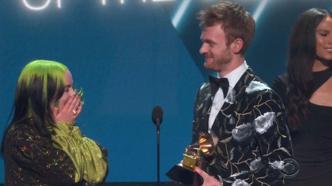 Billie Eilish et Finneas sur la scène des Grammy Awards, le 26 janvier 2020.