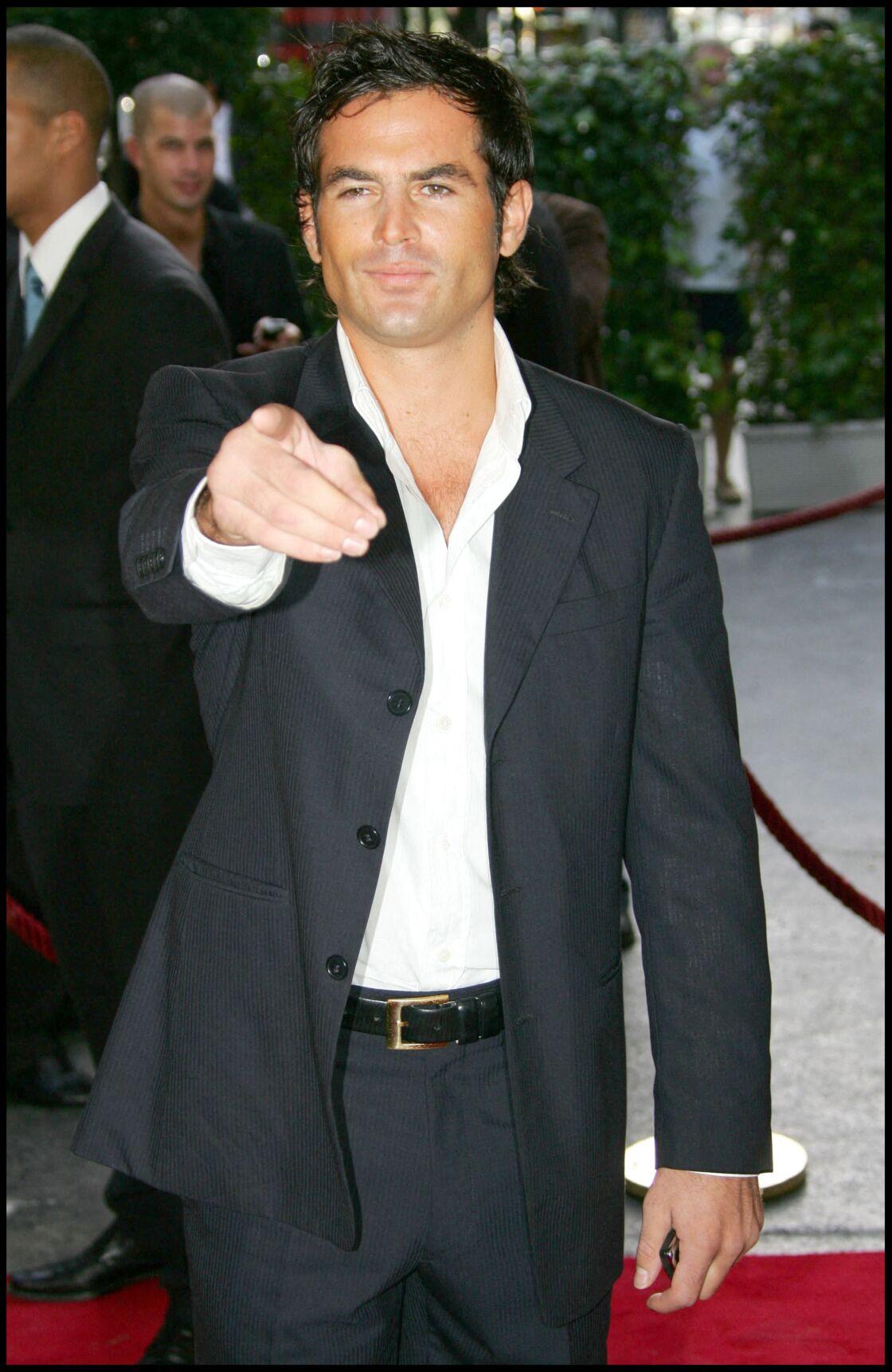 Filip Nikolic lors de la conférence de rentrée de TF1, en 2006. Le chanteur est devenu un second rôle dans