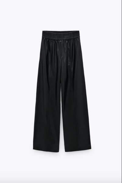 Pantalon large en cuir synthétique à taille haute élastique, 39€95, Zara.com