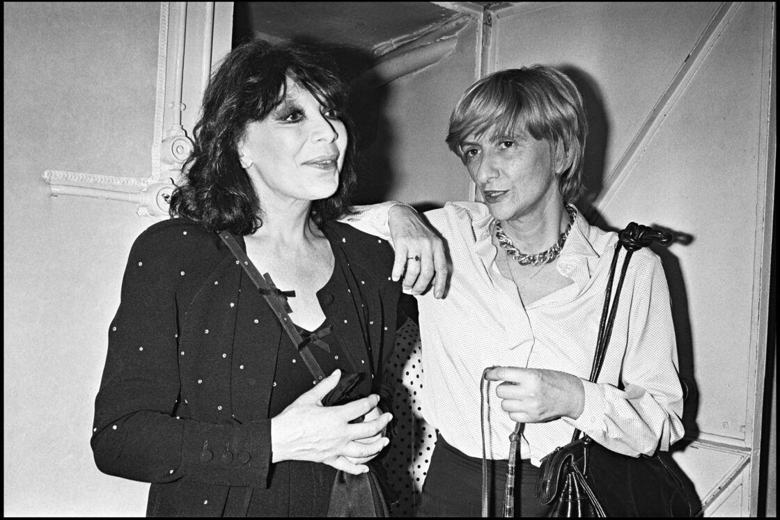 Juliette Gréco avec Françoise Sagan lors d'une représentation