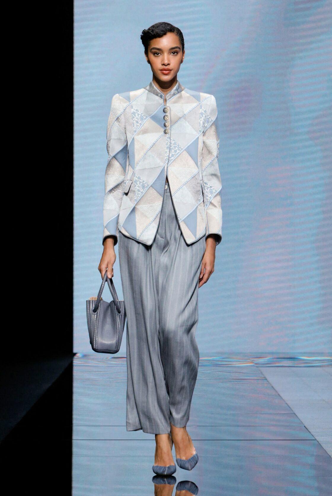 Une silhouette de la collection Giorgio Armani de prêt-à-porter printemps-été 2021, présentée à Milan, en septembre 2020.