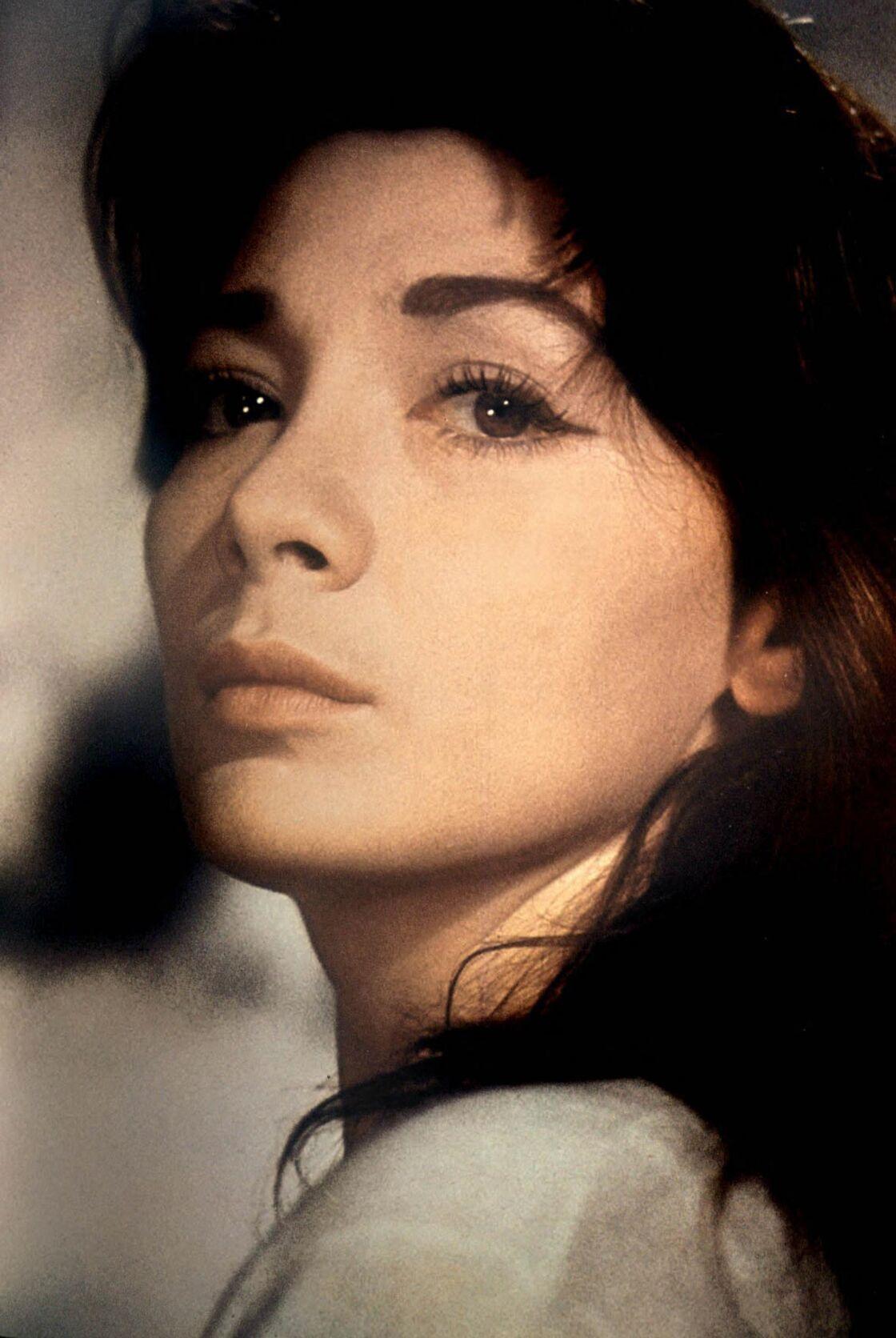 Juliette Gréco au début des années 50. Déjà dans le regard, l'étincelle des séductrices.